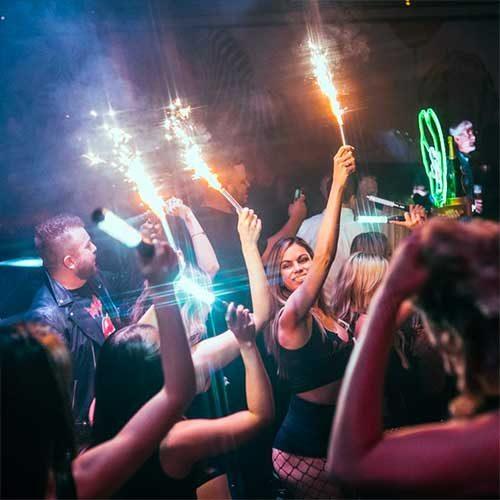 1oak nightclub cocktail bottle service
