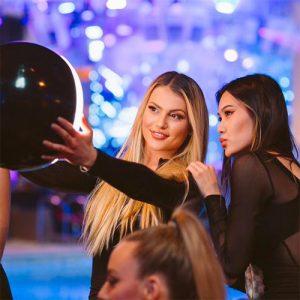 kaos nightclub girls taking a selfie