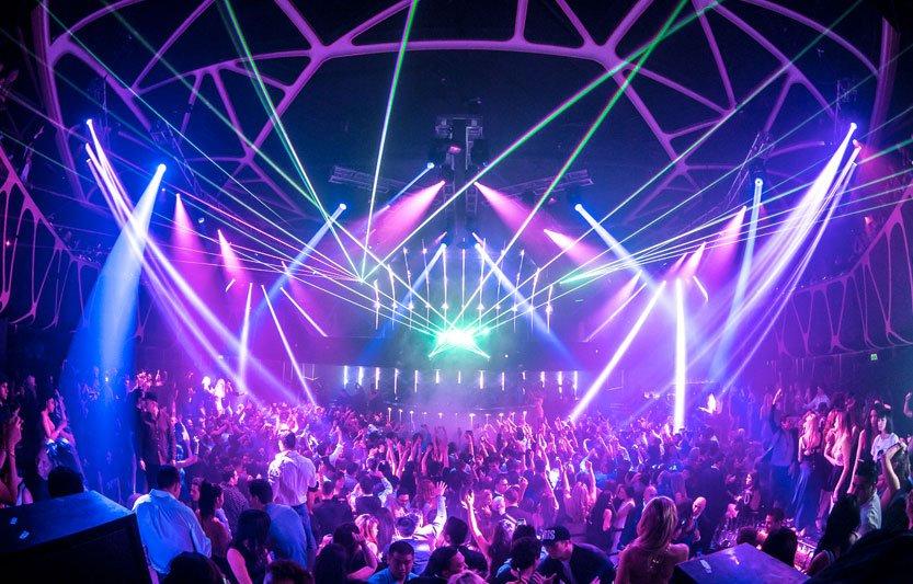 hakkasan-nightclub-main-dancefloor-people